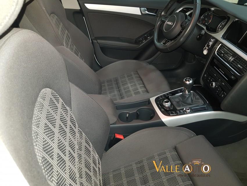 AUDI A4 Avant ultra S line edition 2.0 TDI  136CV blanco Imagen