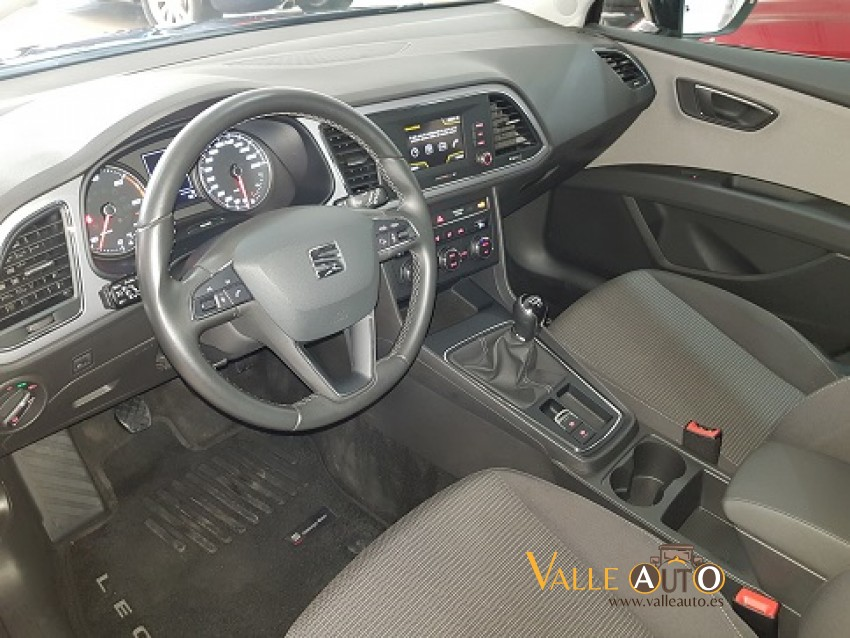 SEAT Leon ST CR St&St STYLE 1.6 TDI 115CV Negro Imagen