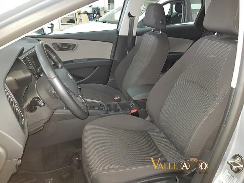 SEAT Leon ST CR St&St STYLE  1.6 TDI 115CV plata Imagen