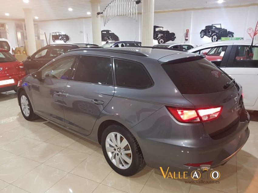 SEAT Leon ST Reference Advance 1.6 TDI 115CV gris oscuro Imagen