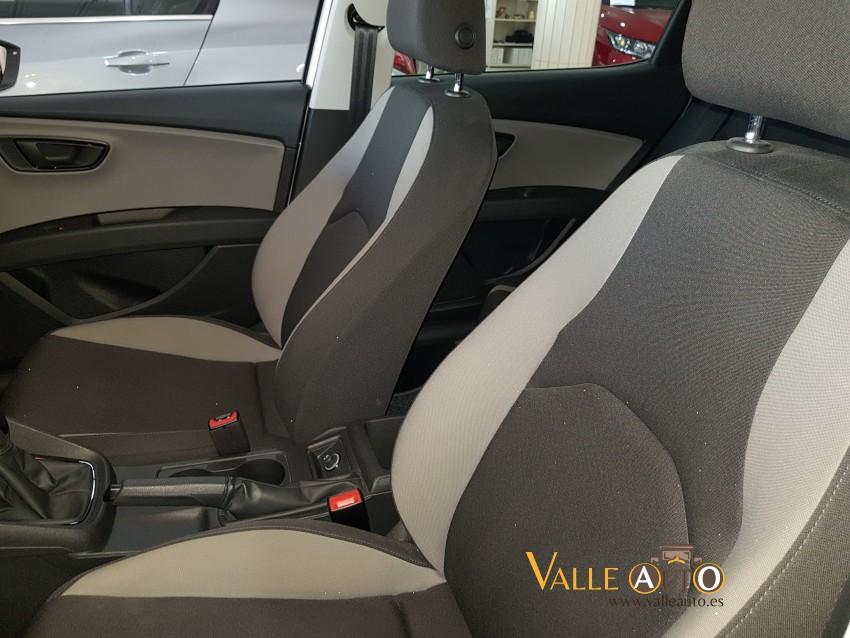 SEAT Leon St&St REFERENCE ECOMOTIVE 1.6 TDI 110CV blanco Imagen