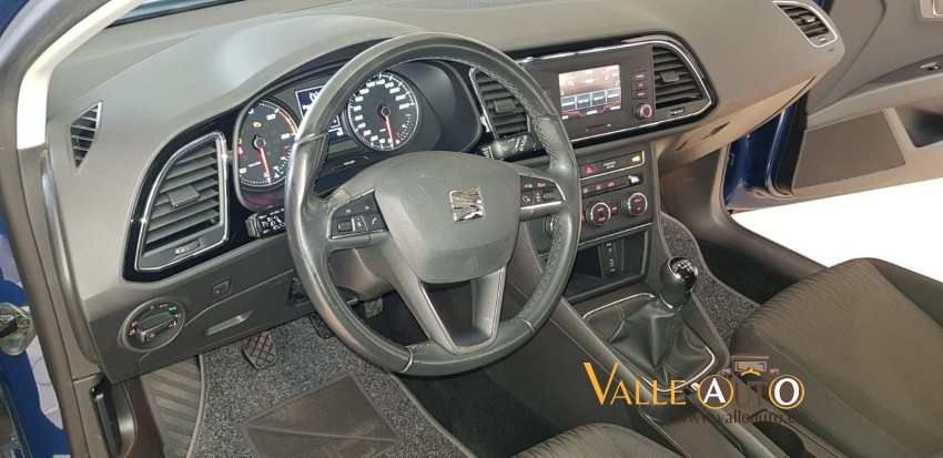 SEAT Leon ST Style 1.6 TDI 110CV AZUL Imagen