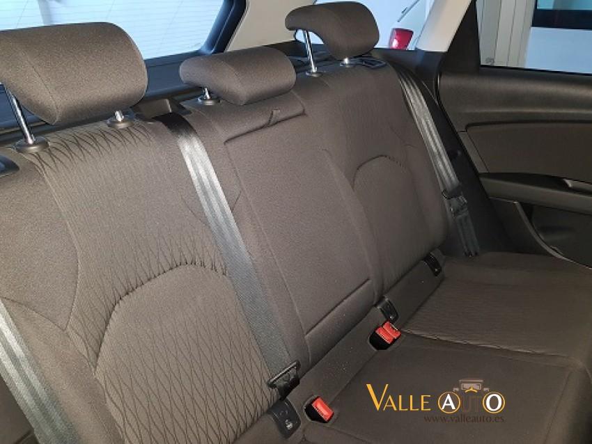 SEAT Leon ST Style 1.6 TDI 110CV Gris Plata Imagen