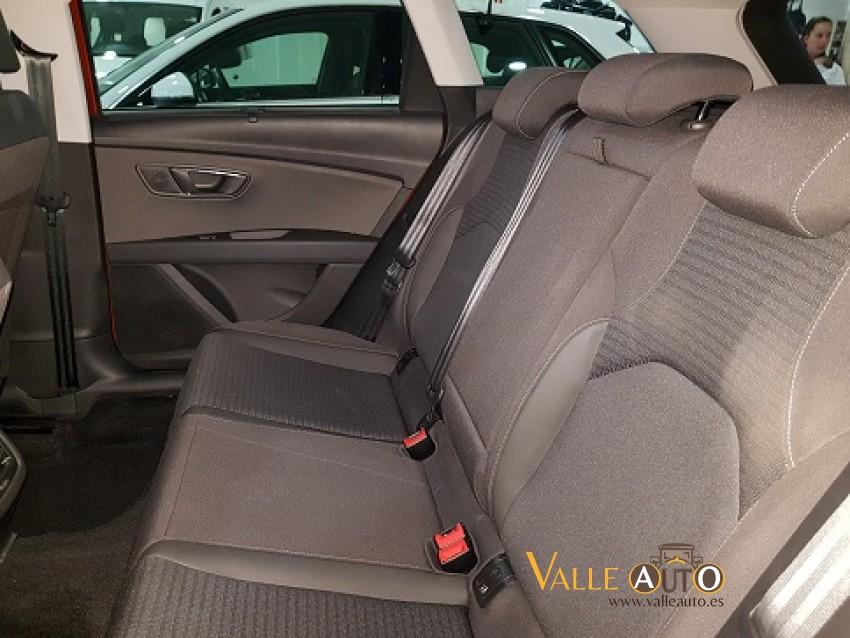 SEAT Leon ST Xcellence 2.0 150CV Naranja Imagen