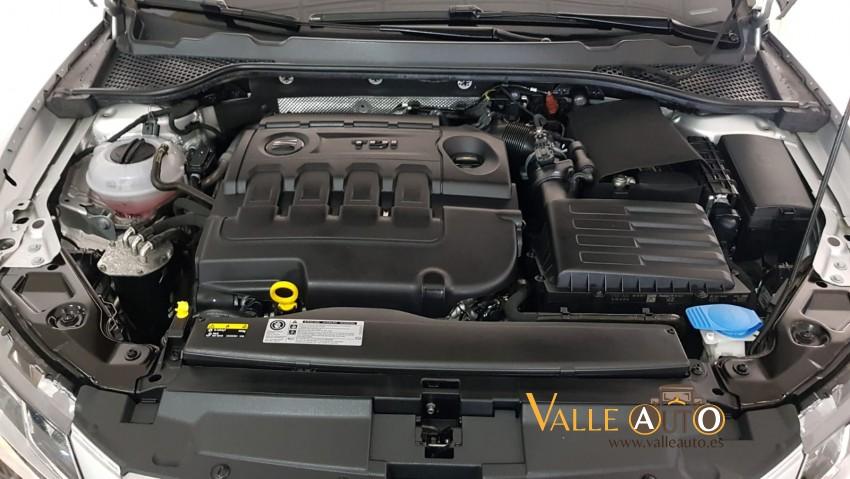 SEAT Leon ST STYLE 1.6 TDI 115CV PLATA Imagen